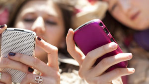 Accesorii indispensabile pentru telefonul mobil