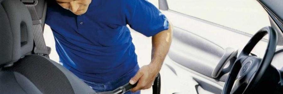 Cum curat tapiteria auto?