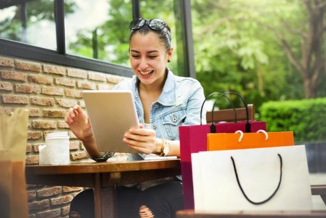 De ce trebuie sa tii cont cand iti cumperi imbracaminte online?