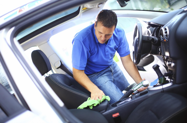 Cum se poate curata acasa tapiteria masinii?