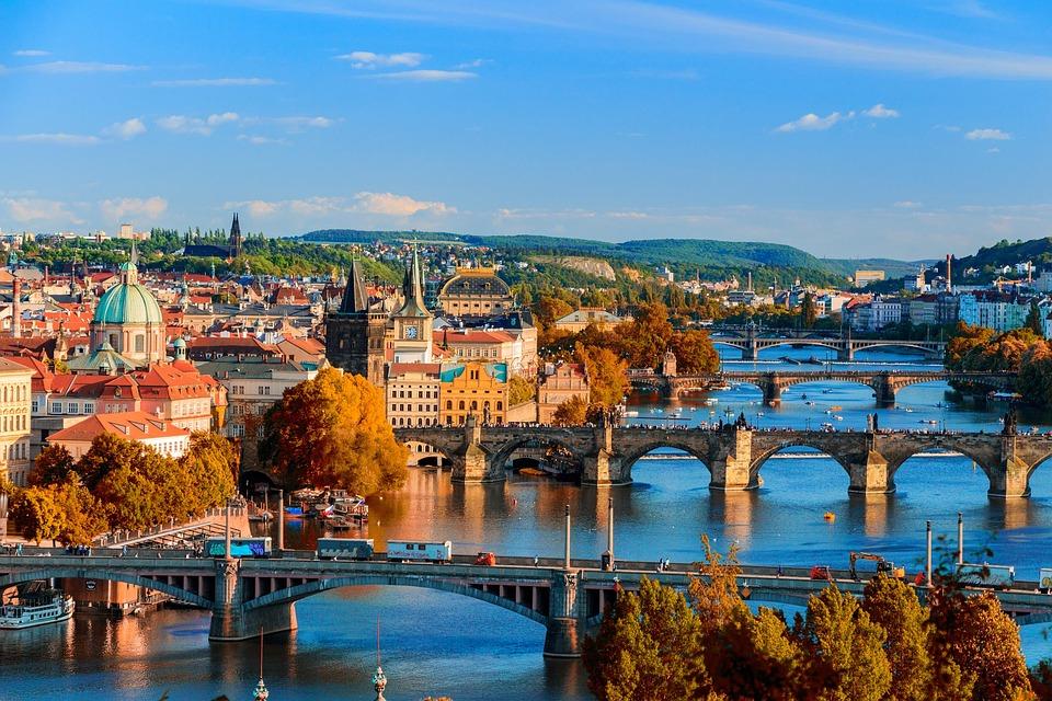 De ce merita sa mergi intr-un circuit prin Praga?