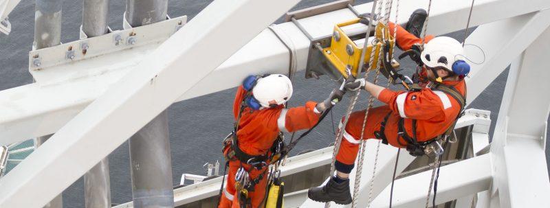 Cand sunt necesare serviciile alpinistilor utilitari?