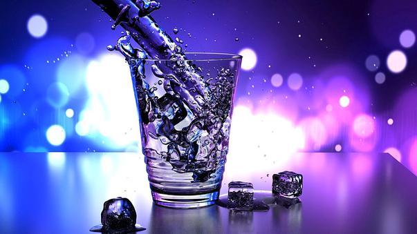 Afla mai multe despre benficiile apei alcaline