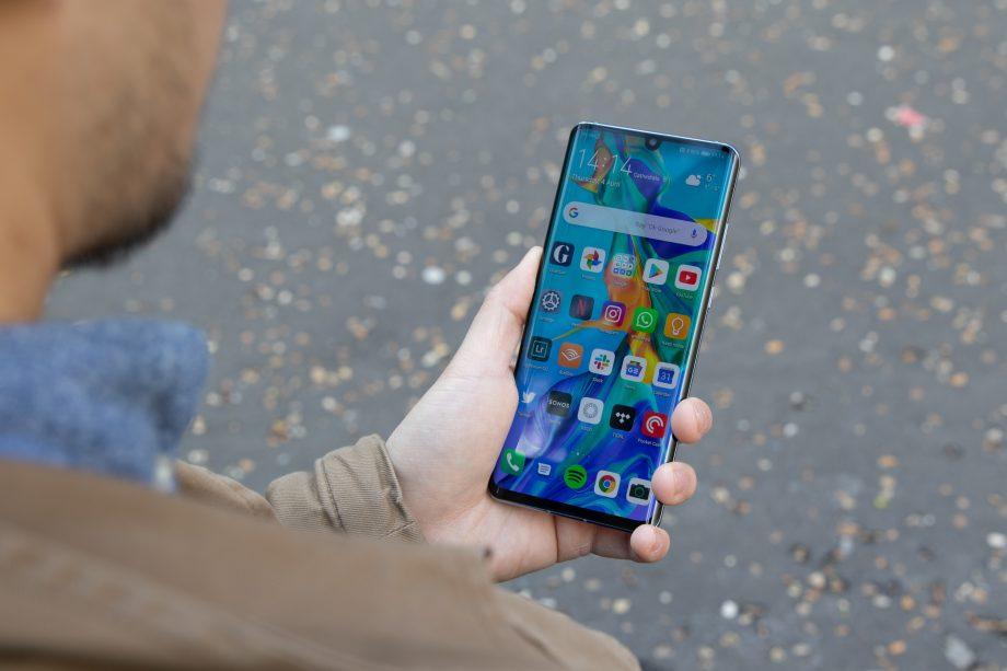 Cum va poate surprinde neplacut un telefon Huawei?