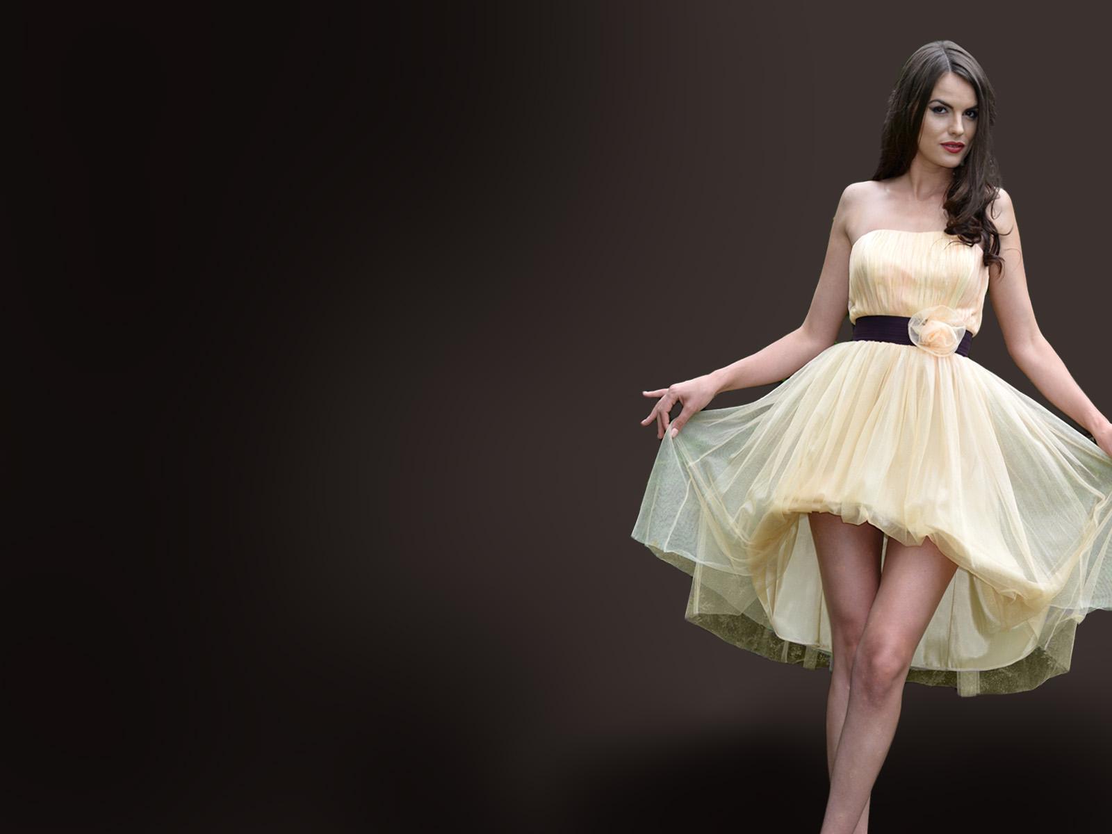 Prezentare speciala a rochiilor de ocazie