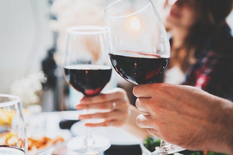 Ce este vinul si care sunt cele mai importante beneficii ale sale?