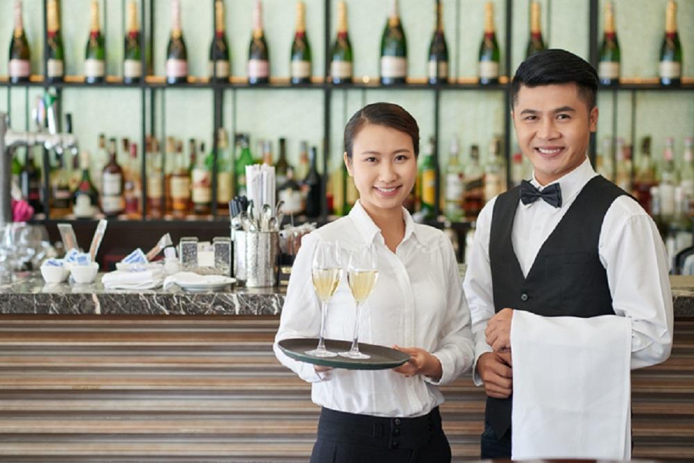 Ce pot lucra imigrantii la hotelurile din Romania?